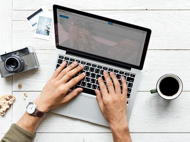 Gondolkoztál már azon, hogy milyen jó lenne egy saját blog készítése, de nem mertél vagy nem tudtál neki állni? Ha igen, akkor a saját blog készítése - saját blog létrehozása című cikk segít neked.